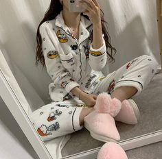 comfy and cute outfits Cute Pajama Sets, Cute Pjs, Cute Pajamas, Pajamas For Teens, Pajamas Women, Pajama Outfits, Cute Outfits, Mode Kimono, Cute Sleepwear