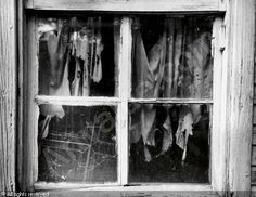 The Window of Shrouds, 1952