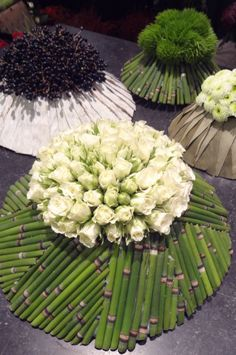 . Art Floral, Deco Floral, Grave Decorations, Flower Decorations, Ikebana, Flower Show, Flower Art, Leaf Design, Floral Design