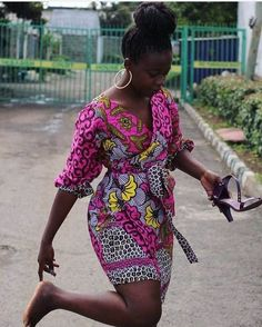Most of us pick out Ankara Styles that pay for you pardon and comfort to decree around. Ankara styles for weekends come in many patterns and designs. It is your unusual to make afterward it comes to selecting the absolute Ankara Styles for your occassion. Short African Dresses, Ankara Short Gown Styles, Short Gowns, African Print Dresses, Ankara Gowns, Ankara Skirt, Dress Styles, African Fashion Ankara, Latest African Fashion Dresses