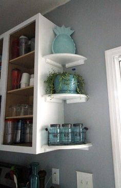 Want to add open shelving to your kitchen? Here is a great way to get the open shelving look while still maintining upper cabinets for practical storage! kitchen decor Easy Open Shelving in the Kitchen Kitchen Redo, Kitchen Storage, Corner Shelves Kitchen, Kitchen Small, Pantry Storage, Storage Cabinets, Corner Shelf, Open Shelving In Kitchen, Design Kitchen