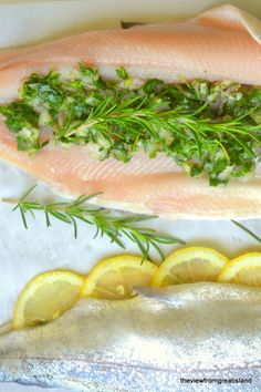 Whole Baked Trout with Herb Salsa ~ this glorious whole fish is no more difficult to make than regular fish, and it makes such a spectacular presentation! Steelhead Trout Recipe Baked, Baked Trout, Baked Whole Fish, Trout Recipes, Low Cholesterol Diet, Food Presentation, Food Plating, Fresh Rolls, Seafood