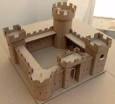 How To Make A Cardboard Castle - Video Tutorial - by Empire Cardboard Model, Cardboard Castle, Cardboard Toys, Crafts For Boys, Projects For Kids, Diy For Kids, Kids Castle, Toy Castle, Model Castle