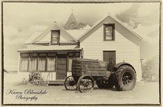 "6 Likes, 1 Comments - Karen Bleasdale Photography (@karenbleasdale) on Instagram: ""#midale #saskatchewan #vintage #threshingbee #vintagetractor #tractors #camkixcontest"""
