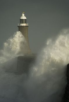Tynemouth Lighthouse | Flickr - Photo Sharing!