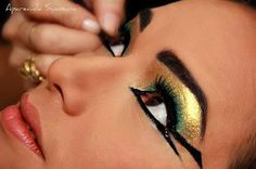 Egyptian make up - kindkönig - Egyptian Eye Makeup, Cleopatra Makeup, Egyptian Party, Egyptian Costume, Make Up Art, Eye Make Up, Helloween Party, Maquillage Halloween, Costume Makeup