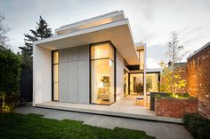 A Large, Modern Addition to a Victorian Home in Melbourne: http://www.playmagazine.info/a-large-modern-addition-to-a-victorian-home-in-melbourne/