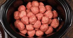 BBQ Jelly Meatballs - Just brilliant for kids and downright delicious for everyone else; Grape Jelly Meatballs are an all-around winner. Barbecue Recipes, Slow Cooker Recipes, Dog Food Recipes, Cooking Recipes, Sauce Barbecue, Healthy Recipes, Fig Nutrition, Pasta Nutrition, Grape Jelly Meatballs