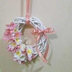 #wreath #spring #handmade #decorations #flowers #DIY #wiosna #wianek #wielkanoc #Easter #dekoracje #design