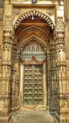 Kasiraj Kali Temple – Hidden Treasure of Varanasi – incredible spiritual india Indian Temple Architecture, India Architecture, Ancient Greek Architecture, Cultural Architecture, Gothic Architecture, Temple India, Jain Temple, Incredible India Posters, 3d Max