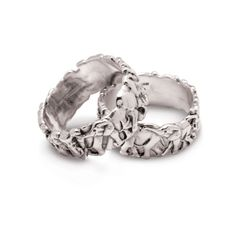 Luxury jewellery and sculptures inspired by the wildest Africa, made with sterling silver and gold by designer Patrick Mavros. Elephant Ring, Elephant Jewelry, Elephant Bracelet, Animal Jewelry, Elephants Never Forget, Rings Cool, Luxury Jewelry, Passion For Fashion, Style Icons