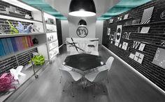 """""""Micheline"""" cuenta con algunos acentos contemporáneos en su iluminación para dar una atmósfera de vanguardia y contemporaneidad al diseño interior (01)."""