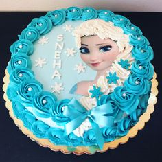 Frozen Chantilly Elsa Cake by Na Furtado Cake Designer Elsa Birthday Cake, Frozen Themed Birthday Cake, Frozen Birthday Invitations, Birthday Wishes Cake, Unicorn Themed Birthday, Frozen Birthday Cake, Themed Cakes, Frozen Sheet Cake, Frozen Doll Cake