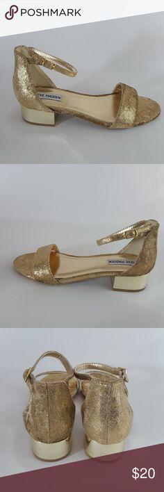 ae72bf79430 Steve Madden JIRENE Dress Sandal Gold Girls 4 Good used condition Steve  Madden Shoes Dress Shoes