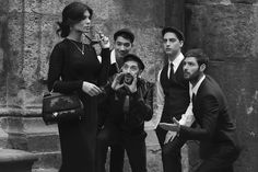 Discover the looks for men and women which constitute the Dolce&Gabbana DNA on the brand's Luxury Magazine. Italian Women, Italian Lady, Italian Lifestyle, Italy Fashion, Women's Fashion, Black Italians, Three Piece Suit, Lingerie Dress, Italian Style