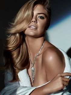 Harper's+Bazaar+Australia+December+2015+–+Kate+Upton+by+Victor+Demarchelier