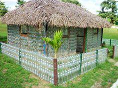 Butelki można wykorzystać w taki sposób, albo: http://www.eko-logis.com.pl/utylizacja-odpadow-wywoz-recykling-butelki-pet/  Zapraszam do przeczytania artykułu.