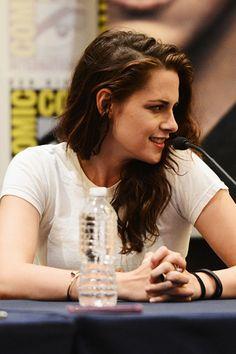 "Kristen at ""Breaking Dawn"" Comic-Con panel 2012"