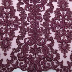 Tecido tule bordado vinho rododendro