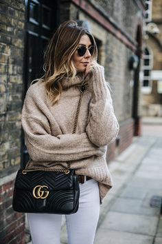 Why Buying Designer Handbag is Worth the Investment - Gucci Handbags - Ideas of Gucci Handbags - Why Buying Designer Handbag is Worth the Investment NiceStyles Look Fashion, Fashion Outfits, Womens Fashion, Fashion Trends, Fall Fashion, Latest Fashion, Gucci Fashion, Gucci Marmont Bag, Gucci Crossbody Bag