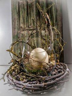 Mancher Eiertanz zuckt hoch!  :-) # # Osterdeko Straussenei Nest # # # Rebenring Raumschmuck # EBK-Blumenmönche Floristik Blumenhaus - Google+: