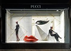 PUCCI Amber Valetta Installation for Pucci New York flagship store, Mouth and eyes inspired by Pucci muse Amber Valetta. Visual Merchandising Displays, Visual Display, Display Design, Store Design, Set Design, Fashion Window Display, Window Display Retail, Retail Windows, Retail Displays
