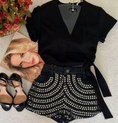 Mini Skirts, Shorts, Fashion, Moda, Fashion Styles, Mini Skirt, Fashion Illustrations, Short Shorts, Hot Pants