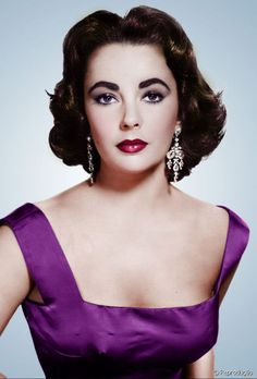 Elizabeth Taylor, great color photo of her