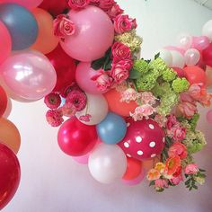 Balloon and Floral | Designs by Boo Shi #flowerseeker #studiobooshi