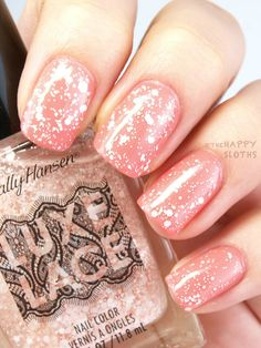 The Happy Sloths: Sally Hansen Luxe Lace Glitter Top Coat for Spring 2015: Review and Swatches