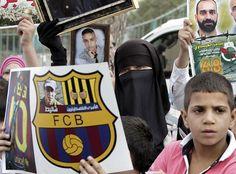 Fotogalería: Protestas palestinas por la invitación del Barça al Clásico a Gilad Shalit