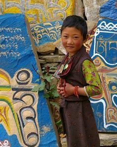 🌻 So beautiful 📍#Lithang, Kham, TIBET (2007) #TibetanGirls #TibetanKids ༜~࿂~༜~࿂~༜~࿂~༜~࿂~༜~࿂~༜~࿂ #TibetanPortraits #Phayul #Tibet #Tibetan #Kham #UTsang #Amdo #Lhasa #Litang ༜~࿂~༜~࿂~༜~࿂~༜~࿂~༜~࿂~༜~࿂ Photo by @maki1011 ©Maki Nakamura ༜~࿂~༜~࿂~༜~࿂~༜~࿂~༜~࿂~༜~࿂ ☀️🐚 #DalaiLama #Himalaya  #IGTibet_Family #Qinghai #Sichuan #Xizang #Gansu  #IG_Kids #ThePhotoSociety #Earth_Portraits #Portrait_Shots #CuteKidsClub #CuteKids #DiscoverPortrait #LonelyPlanet #NatGeo #Native #Nomad