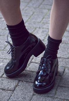 Chunky flatform grunge style lace up shoes