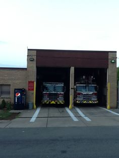 Engine/Truck 17 Homewood section of Pittsburgh Fire Dept, Fire Department, Fire Equipment, Fire Apparatus, House In The Woods, Fire Trucks, Firefighter, Pittsburgh, Engine