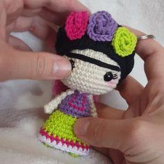 Crochet Dolls Crochet Hats Knit Crochet Mini Cosas Todo A Crochet Disney Dolls Crotchet Amigurumi Doll Stuffed Toys Patterns Crochet Home, Crochet Gifts, Diy Crochet, Crochet Patterns Amigurumi, Amigurumi Doll, Crochet Dolls, Single Crochet Stitch, Crochet Videos, Stuffed Toys Patterns