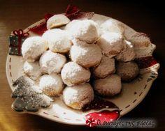 Κουραμπιέδες βουτύρου μπουκίτσες #sintagespareas Cookies, Desserts, Pastries, Food, Almond, Crack Crackers, Tailgate Desserts, Deserts, Tarts