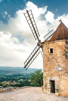 Moulin de Daudet - Provence, France