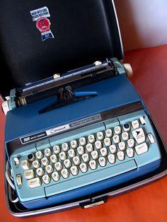 I have the same typewriter  <3