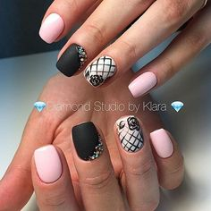 These simple designs are easy to follow for even the novice and are a great way to get started in your own nail fashion designs. #nails #design #polish