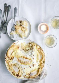Ranskan Alpeilla syntynyt perinneruoka maistuu myös Pohjolassa. Fondue, Camembert Cheese, Dairy, Pie, Desserts, Pie And Tart, Pastel, Deserts, Fruit Cakes