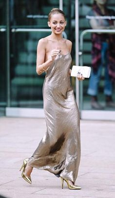 Love Nicole Richie and love gold- like liquid gold moving on her body, beautiful! Nicole Richie in Marc Jacobs