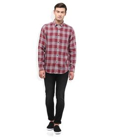 Wills Lifestyle Maroon Checkered Shirt Wills Lifestyle, Get The Look, Men Casual, Slim, Fitness, Mens Tops, Stuff To Buy, Shopping, Fashion
