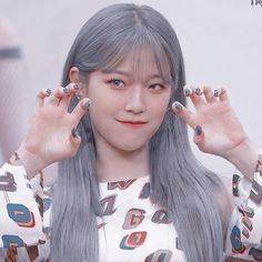 South Korean Girls, Korean Girl Groups, Pretty Girls, Cute Girls, Aesthetic Themes, Blackpink Lisa, Ulzzang Girl, Kpop Girls, Red Green