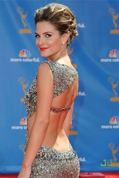 Maria Menounos - always stunning! 2010 Emmy custom made dress by Ralph & Russo. Elegant Dresses, Sexy Dresses, Nice Dresses, Ball Dresses, Maria Menounos, Woman Movie, Red Carpet Gowns, Hot Hair Styles, Express Dresses