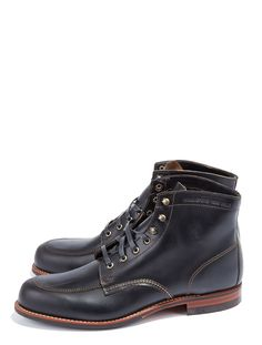 Wolverine Courtland 1000 Mile Boot - Walk 1,000 Miles in these terrific boots from Wolverine. Exclusive Horween Chromexcel leather make these uber-coot shoes particularly durable.