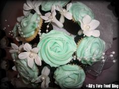 cupcake bouquets | This was one of my favorite presentations – a bouquet of cupcakes. I ...