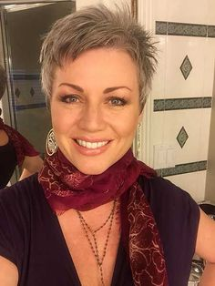 Best Womens Hairstyles For Fine Hair – HerHairdos Short Curly Hairstyles For Women, Short Choppy Hair, Short Grey Hair, Short Hair Cuts For Women, Curly Hair Styles, Short Cuts, Short Pixie, Undercut Hairstyles, Hairstyles Haircuts
