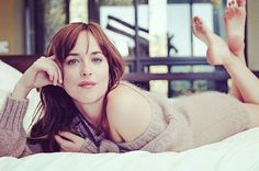 There are few girls out there as sexy and fun as Dakota Johnson. These Dakota Johnson pics were taken from several different sources, including a variety Dakota Johnson Feet, Dakota Johnson Stil, Dakota Mayi Johnson, Dakota Jhonson, Dakota Style, Beautiful Celebrities, Beautiful Women, Actress Feet, Teen Feet