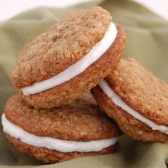 Oatmeal Creme Pies are one of those amazing desserts that almost everyone has had but never thought to make before.