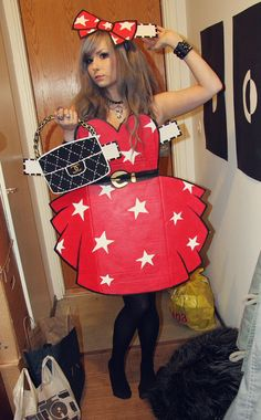 Best Photos of Paper Doll Costume Adult - Paper Doll Costume Homemade, Paper Doll Halloween Costume and DIY Paper Doll Halloween Costume Halloween Costumes To Make, Halloween Costume Contest, Halloween Kostüm, Diy Halloween Costumes, Cool Costumes, Disney Costumes, Couple Halloween, Paper Doll Costume, Paper Dolls